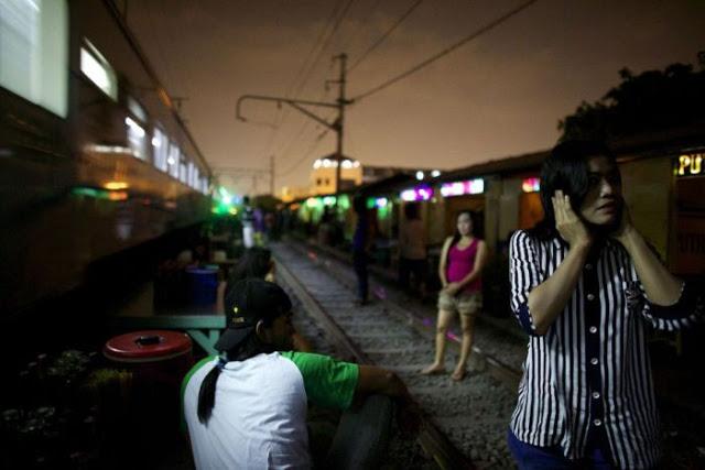 Suasana Pelacuran Sekitar Kawasan Lampu Merah Di Jakarta 05 - Suasana Pelacuran Sekitar Kawasan Lampu Merah Di Jakarta