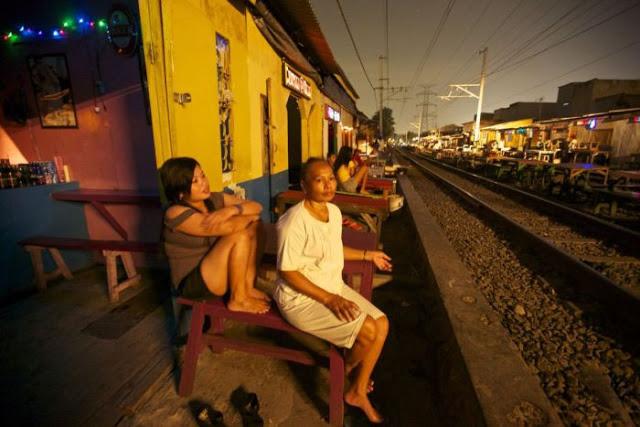 Suasana Pelacuran Sekitar Kawasan Lampu Merah Di Jakarta 10 - Suasana Pelacuran Sekitar Kawasan Lampu Merah Di Jakarta
