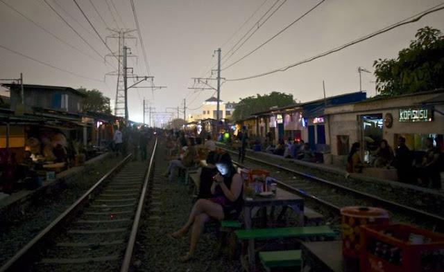 Suasana Pelacuran Sekitar Kawasan Lampu Merah Di Jakarta 15 - Suasana Pelacuran Sekitar Kawasan Lampu Merah Di Jakarta