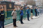 Ahli Keluarga Penumpang China MH370 Protes Di Kedutaan Malaysia
